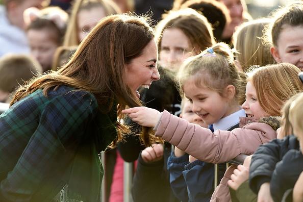 Kate Middleton Laughs Little Girl Grabs Her Hair