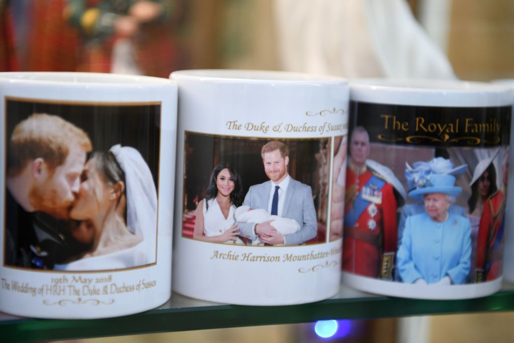 Mugs Featuring Prince Harry Meghan Markle Queen Windsor England January 2020
