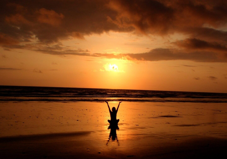 backlit-balance-beach-cloud-268134