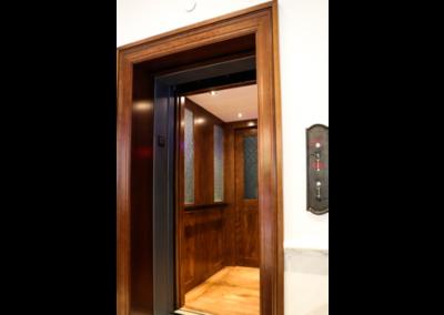 lula-elevator-cab