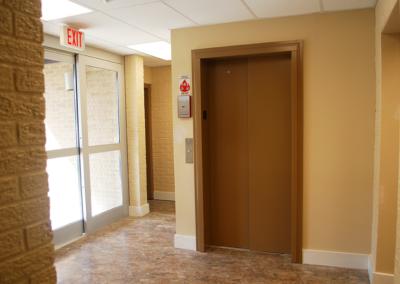 lula-elevator-door-brown