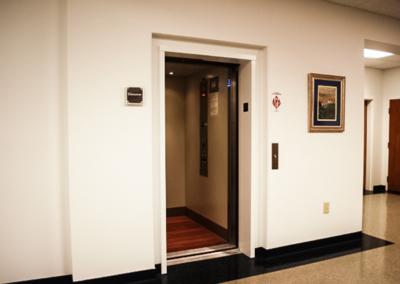 lula-elevator-door-open