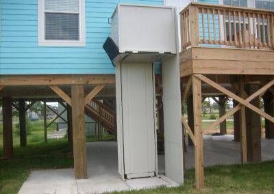 Vertical-Platform-Lift-Unenclosed-Elevated.jpg