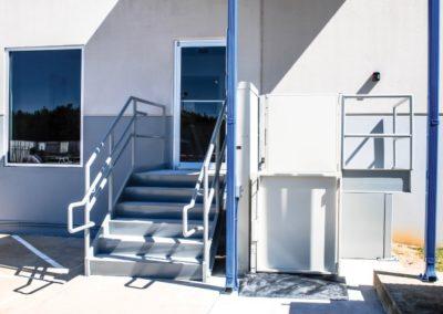 vertical-platform-lift-unenclosed-school