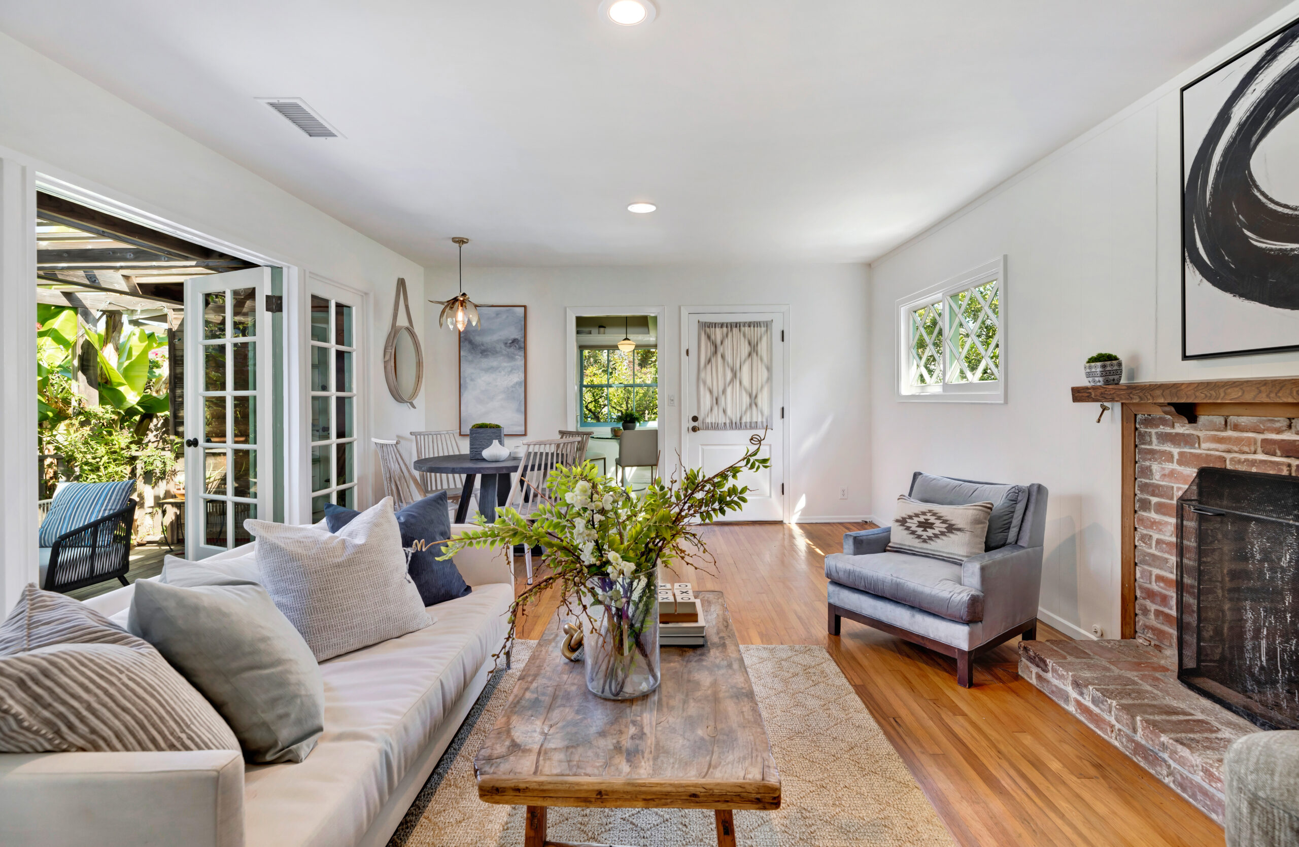 Inside picture of home_sold by Michael Edlen