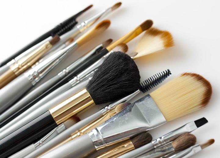 Ship Makeup Brushes