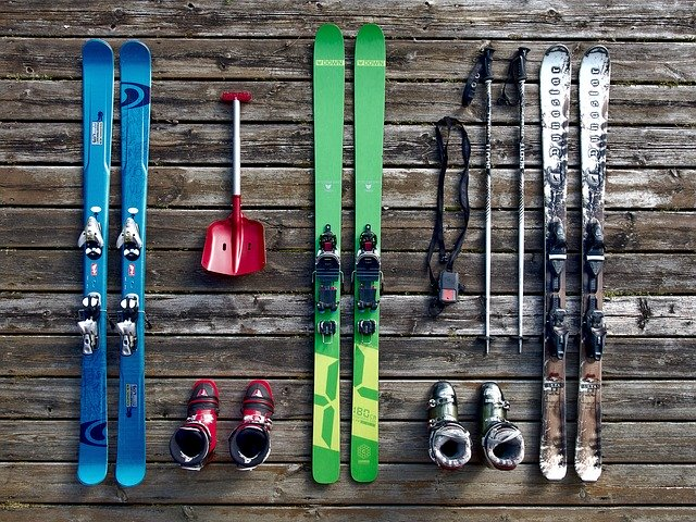 How to Ship Skiing Equipment