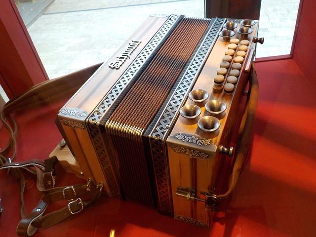 How to ship an accordion