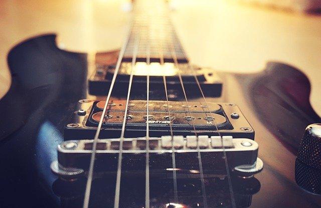 shipping electric guitar