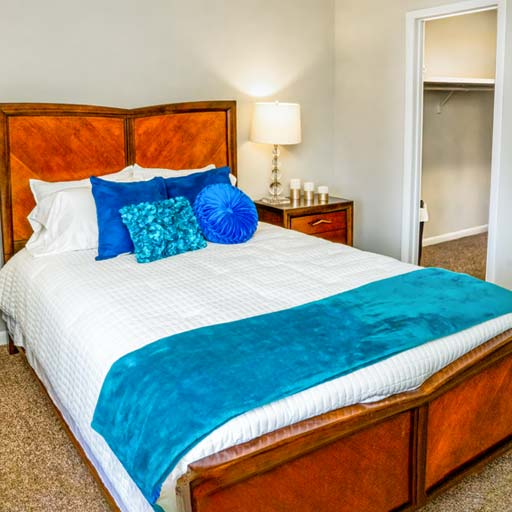 Interior BR 512x512 1 Newly renovated apartments in Homewood