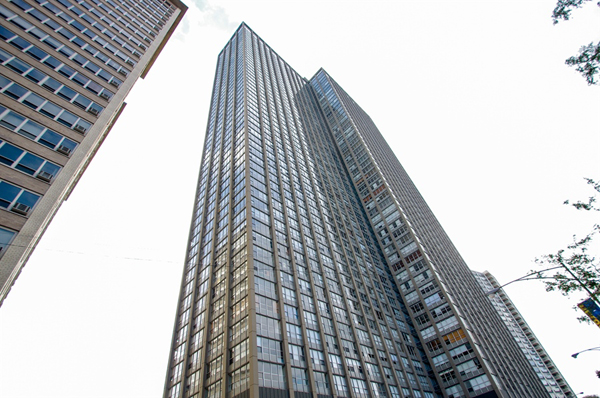 655 Irving Park, Lakeview Chicago, Park Place Towers