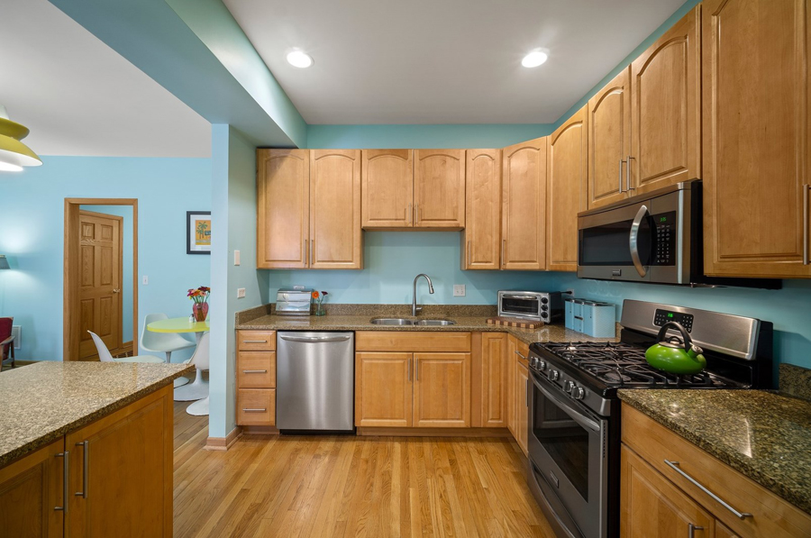 Andersonville - 5644 North Wayne Avenue Unit 1, Chicago, IL 60660 - Kitchen