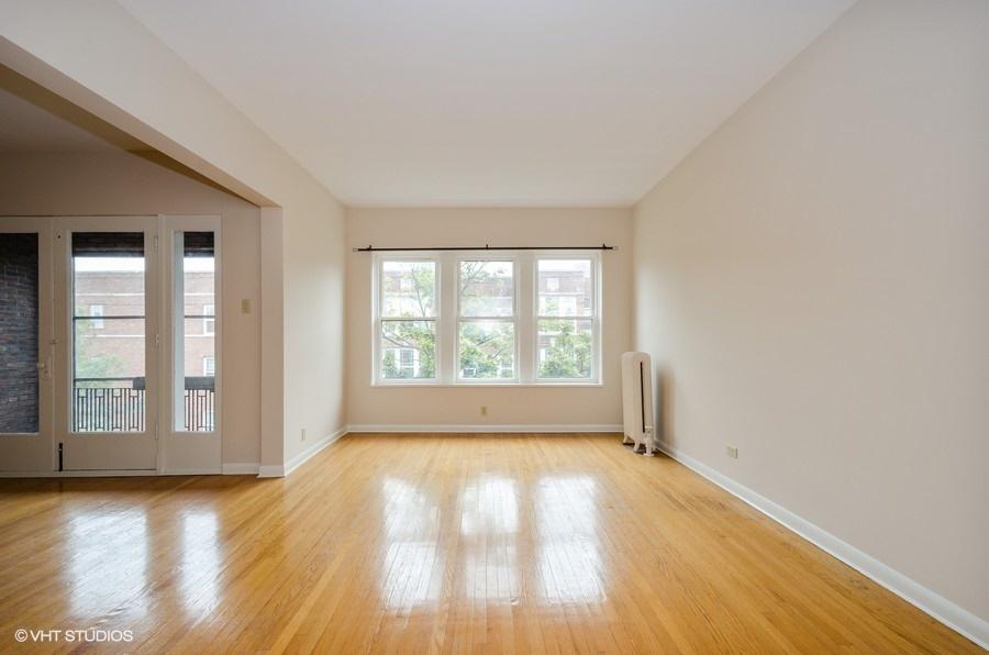 Rogers Park - 1408 West Jonquil Terrace Unit 3, Chicago, IL 60626 - Living Room