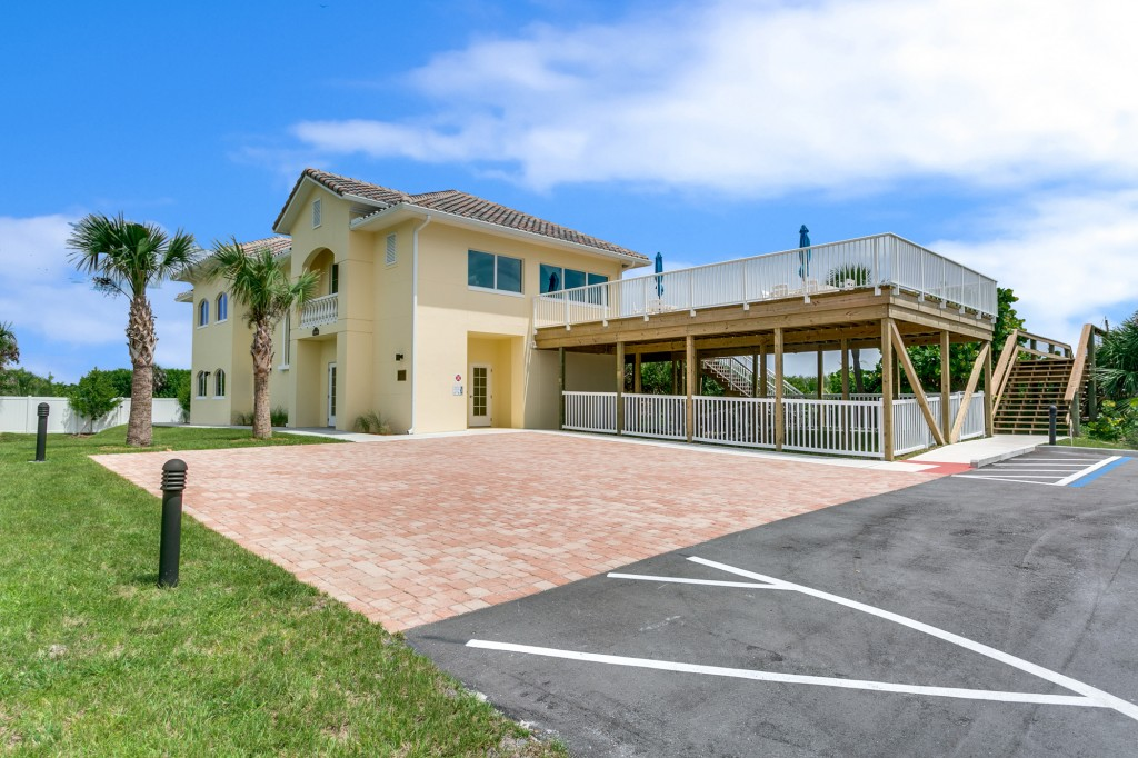 Aquarina's Oceanfront Clubhouse