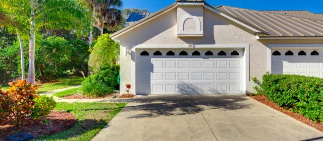 Rare END UNIT Villa under $300k!