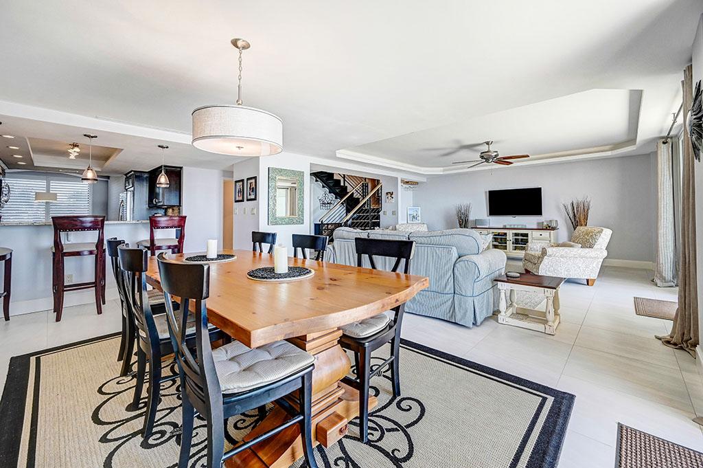 Tidewater Oceanfront Condo Dining Room