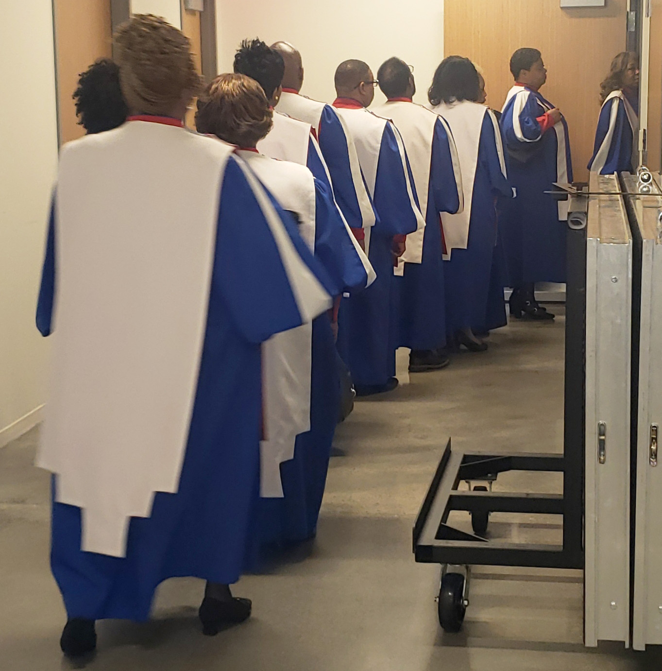Mississippi Mass Choir prepares to take the stage