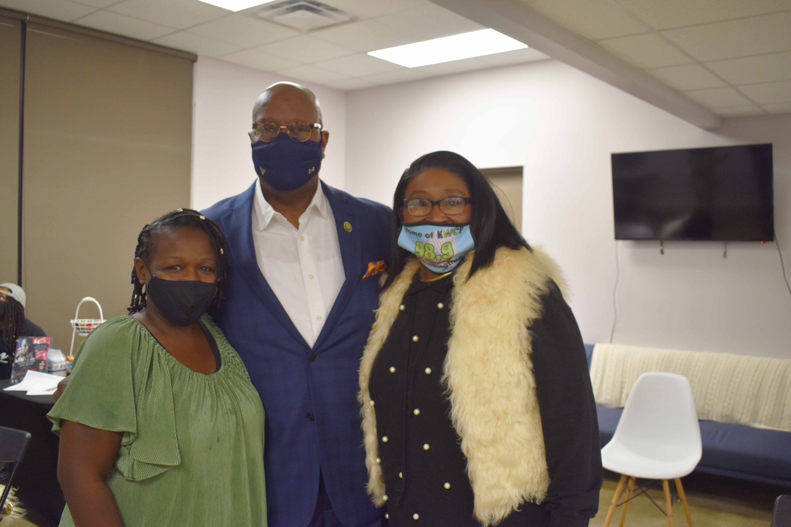 Vickie Hatter, Little Rock Police Department Chief Keith Humphrey, City Director Doris Wright (Ward 6)
