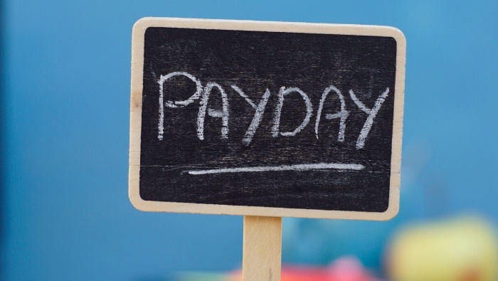 How to Avoid Payday Spending Splurges photo