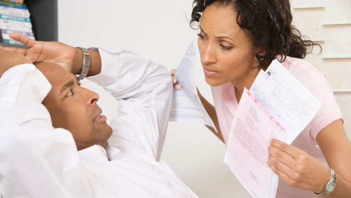 Is Your Spouse Financially Unfaithful photo