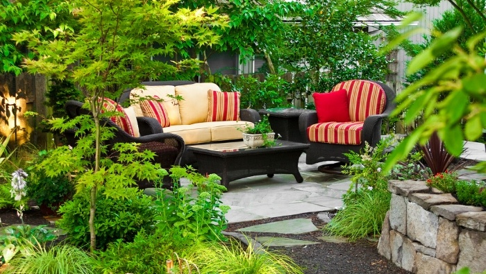 How to Create an Outdoor Room on a Budget photo