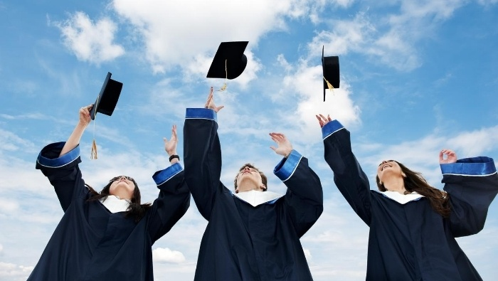 A CFPs Advice for Your Graduate photo