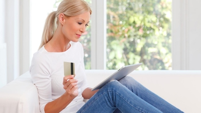 The Subtle Psychology of Credit Cards photo