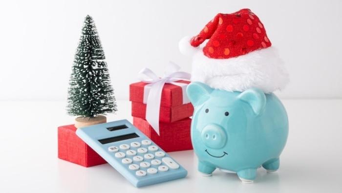 Ways to Stash Holiday Cash photo