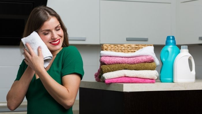 Cheap and Natural Homemade Fabric Softeners photo