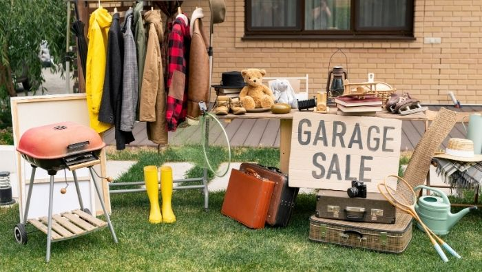 How to Price Garage Sale Items photo