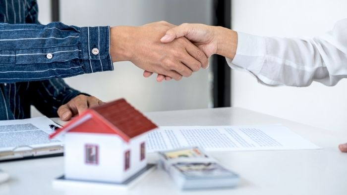 Steps to Negotiating the Best Price on a House photo