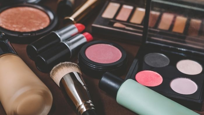 How to Prolong the Life of Beauty Products photo