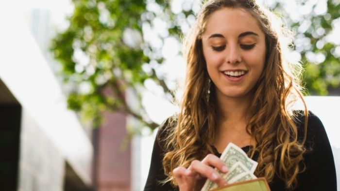 Best Tool for Teaching Teen to Manage Money photo
