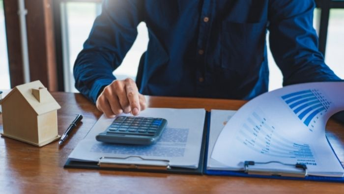 Choosing a Mortgage Broker photo