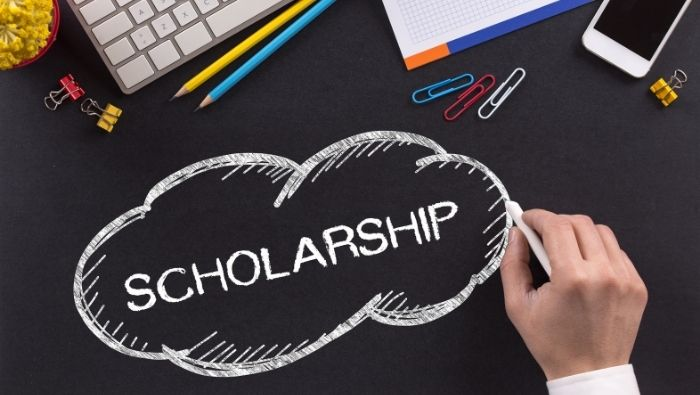 Maximize Your Chance of Winning a Scholarship photo