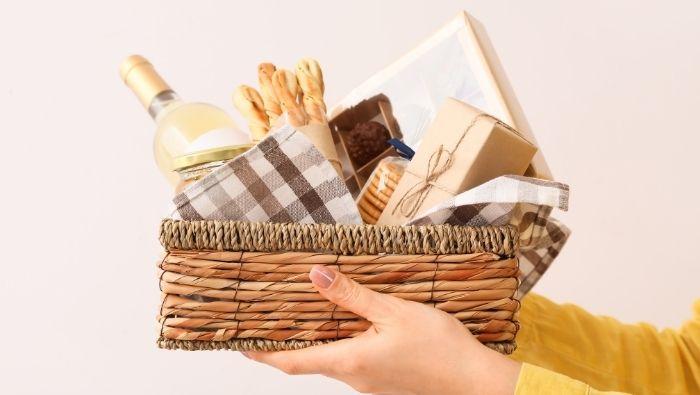 Creative Cheap Gift Basket Ideas photo