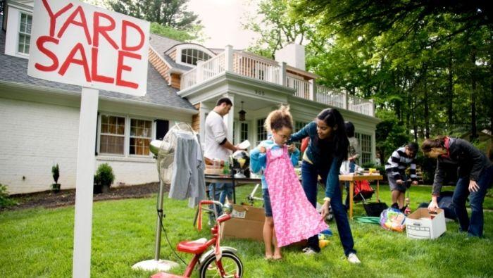 Yard Sale Etiquette photo
