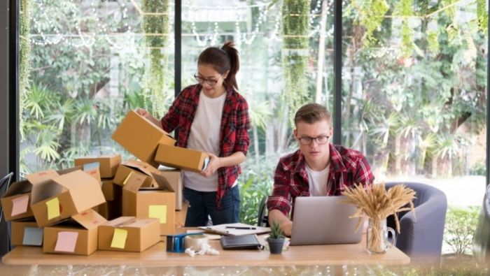 Starting an Internet Reselling Business photo