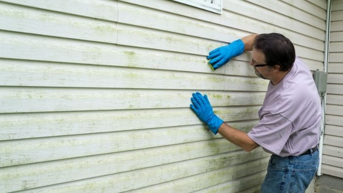 How to Clean Vinyl Siding Inexpensively photo