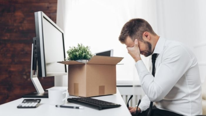 Ways to Help a Friend Who Has Been Laid Off photo