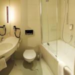Non-Handicap able hotel bath