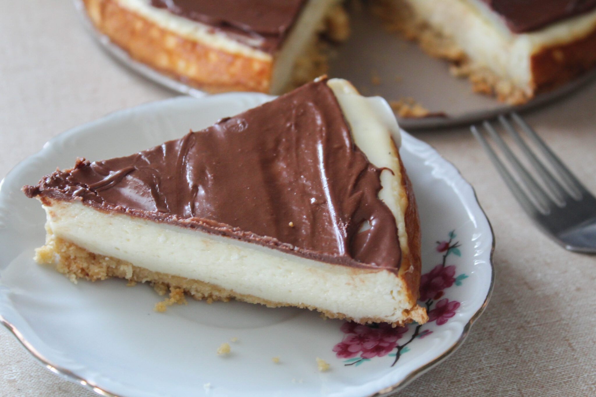 My Twix Cheesecake is like a candy bar in a pan! A smooth filling topped with silky caramel and chocolate. What could be better?