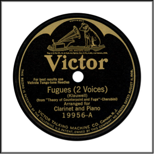 """Record Label: Jan. 1914-Oct. 1926. Note the arch (""""Batwing"""") at the top of label. May be in blue, black, purple or red."""