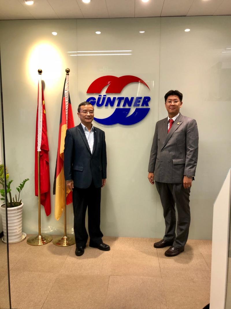 Leadership dialogue with manufacturing of refrigeration and air conditioning heat exchanger from Germany