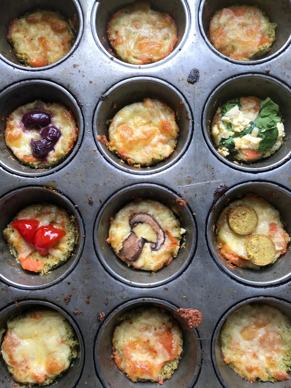 Baking cauliflower pizza in muffin tin
