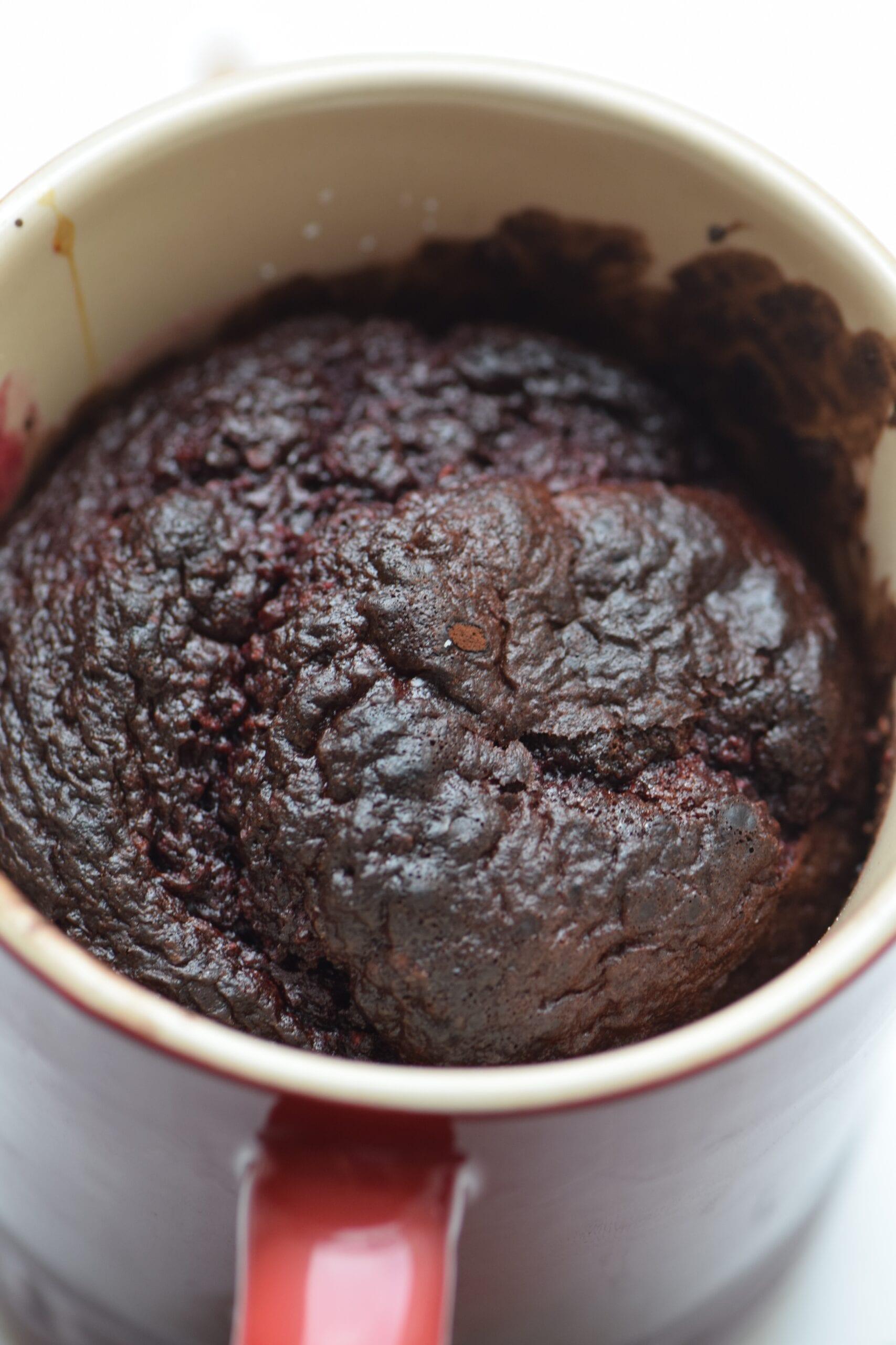 Healthy red velvet cupcake mugcake with no topping