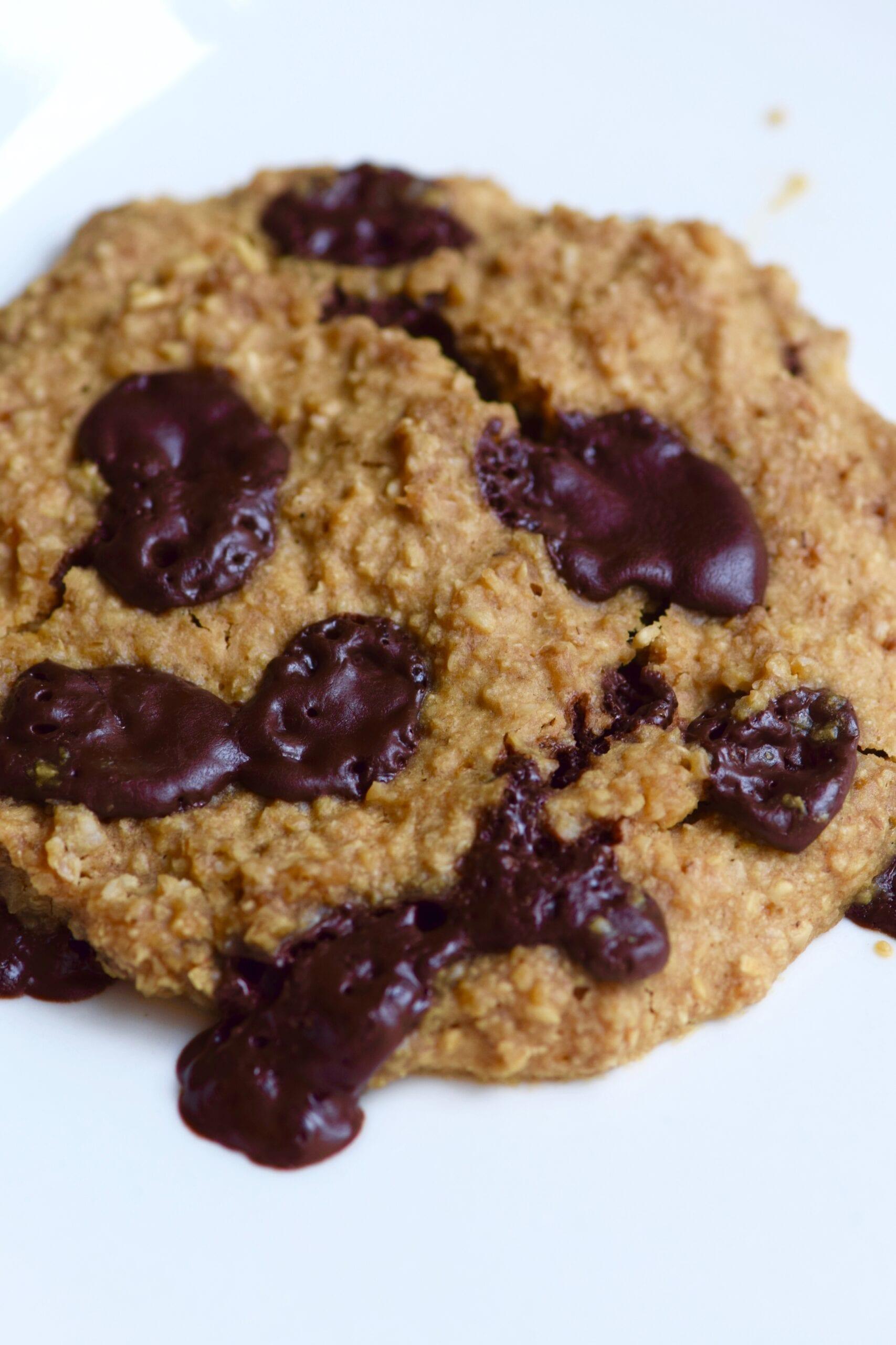 Single serving oatmeal dark chocolate cookie
