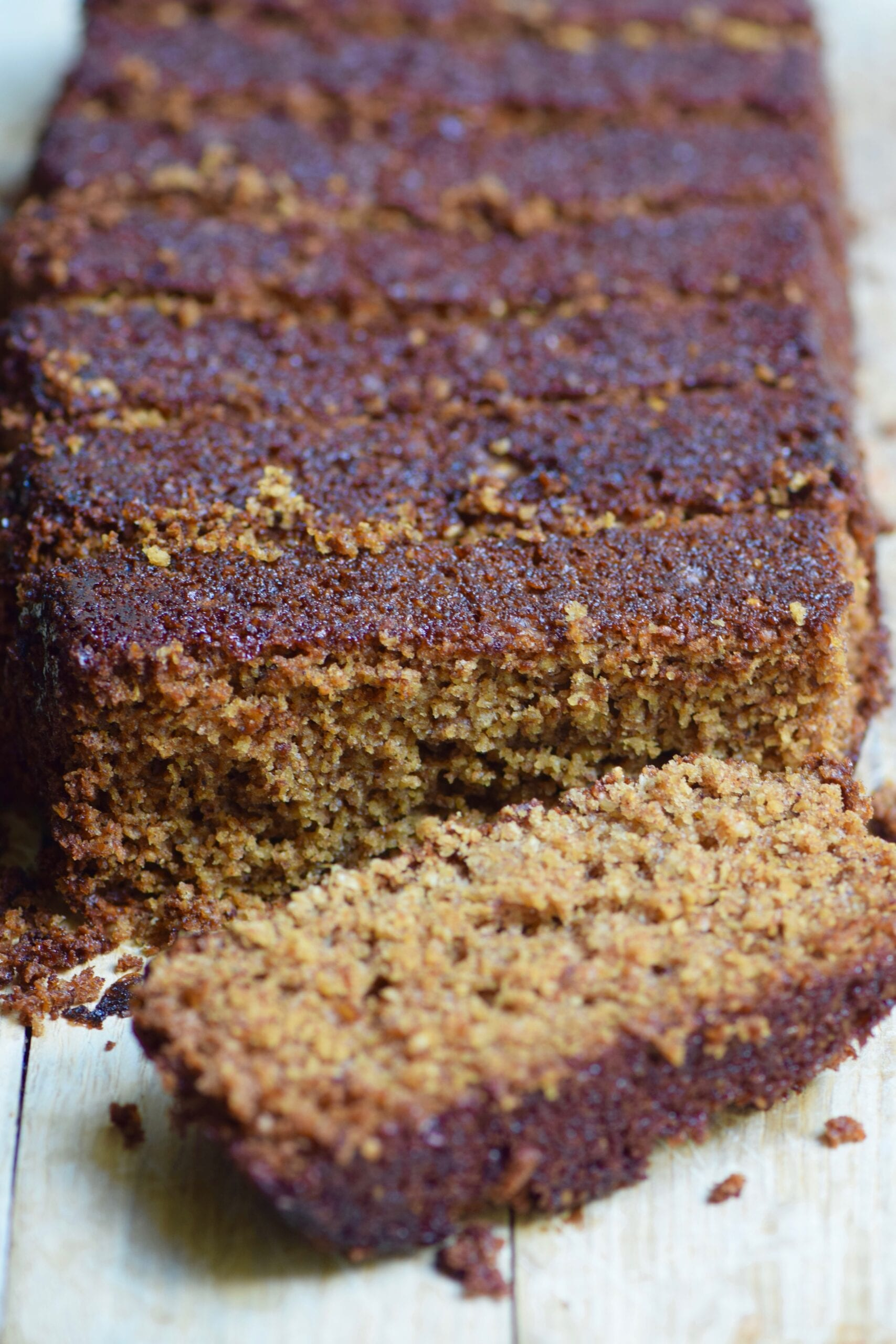 healthy gingerbread oatmeal loaf