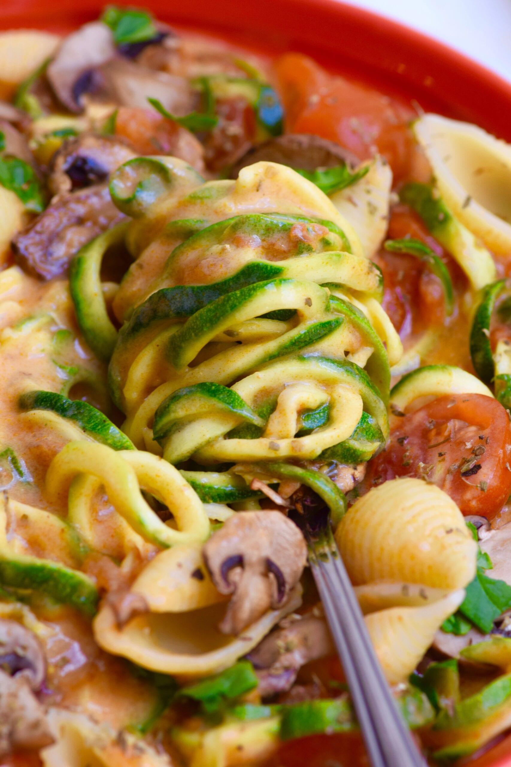 zucchini tomato creamy pasta