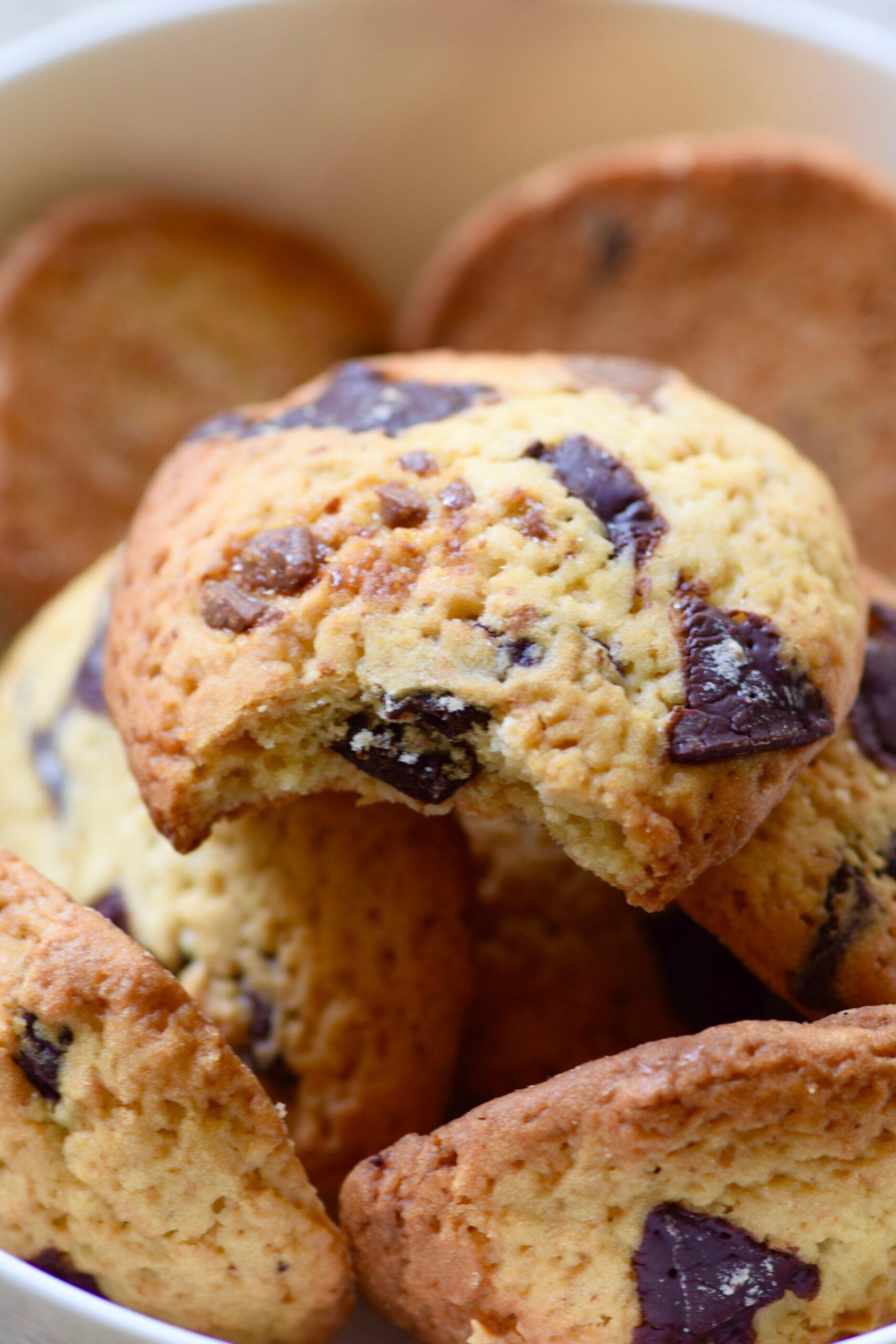 Chocolate chip levain bakery cookies